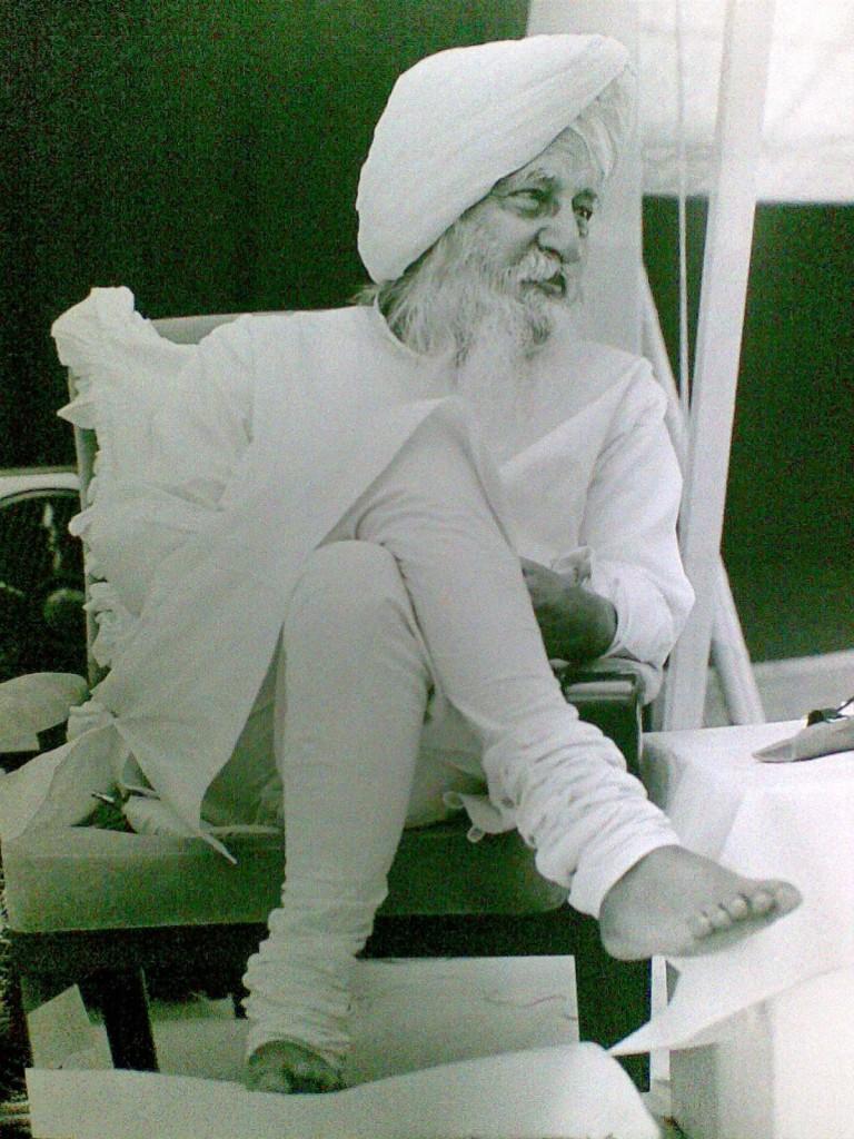 Charan Singh Maharaj Baba ji Pictures