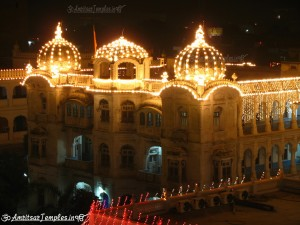 Golden Temple | Harmandir Sahib, Darbar Sahib Decorated with Lights Photos, images, pictures