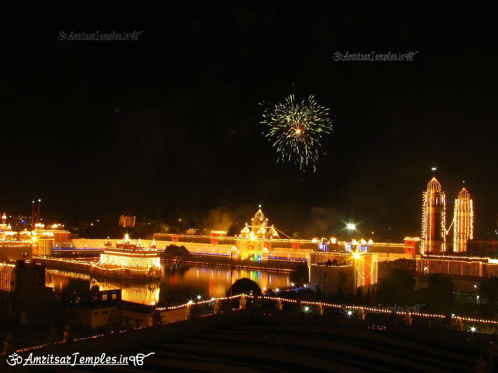 Beautiful Night view photographs of Golden Temple with ...
